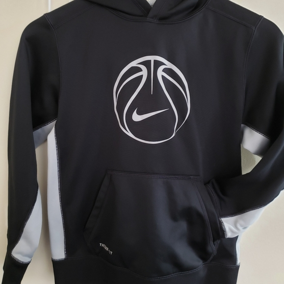 Nike Other - Nike Dri-Fit Boy's Basketball Pullover Hoodie